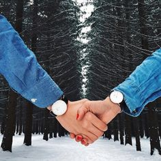 Matching Daniel Wellington watches, the perfect gift this Valentines day! Available on our website and in stores! Dw Watch, Daniel Wellington Watch, Hand Pictures, Hand Pics, Wedding Stills, Couple Hands, Couple Watch, Cute Frames, Fotografia