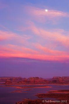 Lake Powell sunset and moonrise, Utah; photo by Tad Bowman