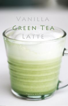 Today's Friday and I made a simple video of delicious green tea latte today. You will love this vanilla-flavored green tea latte. Here are the ingredients. Wake me up with green tea latte anytime. Mix a little bit of hot water and green tea powder. And ad Hot Tea Recipes, Green Tea Recipes, Coffee Recipes, Starbucks Green Tea Latte Recipe, Starbucks Food, Flavoured Green Tea, Matcha Green Tea Latte, Green Tea Powder, Yummy Drinks
