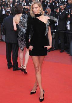 Anja Rubik in Saint Laurent - 2017 Cannes Film Festival Celebrity Red Carpet, Celebrity Look, Cannes Film Festival, Festival 2017, Festival Fashion, Anja Rubik, Red Carpet Looks, Sexy Legs, Haute Couture