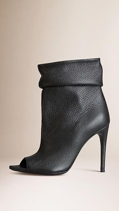 Burberry refined peep-toe boots. Discover the shoes at Burberry.com