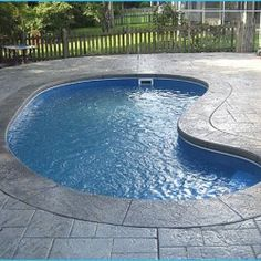 Browse our gallery of kidney shaped pools Small Backyard Ponds, Small Inground Pool, Inground Pool Designs, Desert Backyard, Small Swimming Pools, Backyard Pool Landscaping, Backyard Pool Designs, Small Pools, Swimming Pools Backyard
