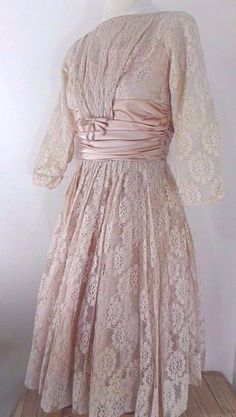 Apricot Blush Lace Fit and Flare Style. Wide Pleated Satin Waistband with Bow Trim. Pleated Flared Sweeping Skirt. Women's Size XS. This is a Stunning Dress - What's Old is New Again. | eBay!