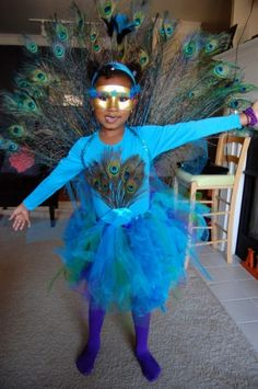 Dollar Store DIY Peacock-Costume