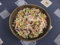 Salade van sla, taugé, wortel, olijven en kidneybonen   www.Alternatief-Idee.net