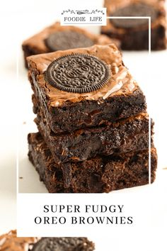 fudgy, sticky, melty. all you want from a brownie! Check out the recipe, HERE! No Bake Brownies, Chocolate Brownies, Baking Tins, Baking Recipes, Brownie Recipes, Original Recipe, I Love Food, Oreo, Yummy Food