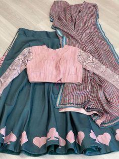 Half Saree Designs, Choli Designs, Lehenga Designs, Indian Gowns Dresses, Indian Fashion Dresses, Indian Designer Outfits, Girls Frock Design, Long Dress Design, Simple Blouse Designs