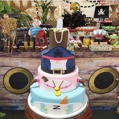 Decoração linda para festa de irmãos com o tema Jack e Izzy ( Os Piratas da Terra do Nunca)! Decor @wagnerxuxu Buffet @magiaecia bolo/doces a mamãe e Cakedesigner @pattybreul  #loucaporfestas #festairmãos