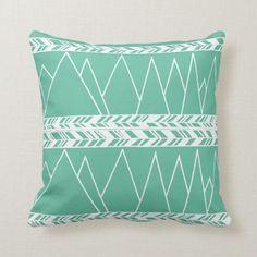 Mint green mountains and tribal motif boho throw pillow - Boho Throw Pillows, Diy Pillows, Cushions, How To Make An Envelope, Diy Envelope, Diy Projects Cans, Easy Diy Projects, Diy Pillow Covers, Pillow Inserts