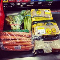 This weeks meal prep :) brandonfruscella.com #food #foodporn #gym #rice #asparagus #bodybuilding