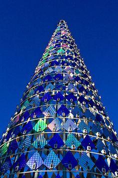https://flic.kr/p/5MpBru | Solar Tree | Solar Powered Christmas Tree in Barcelona, Spain