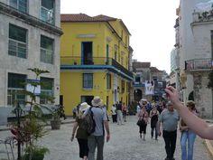 Une rue de la Havane à Cuba ! www.pass-age.fr