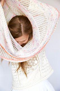 Ravelry: Airi Shawl pattern by Leeni Hoi
