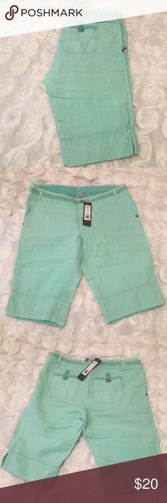 NWT Linen Shorts NWT Bermuda shorts. Approximately 11 in inseam. 95% cotton, 5% spandex Michael Stars Shorts Bermudas