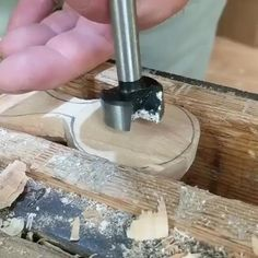 Wooden Spoon Carving, Carved Spoons, Wood Spoon, Woodworking Techniques, Woodworking Crafts, Woodworking Plans, Diy Wood Projects, Wood Crafts, Whittling Wood