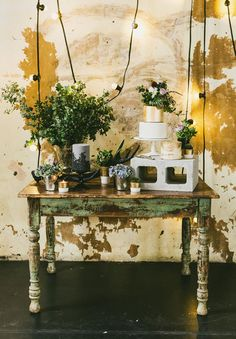 gold-bronze-copper-industrial-warehouse-wedding-bridal-inspiration-Hope-and-lace10