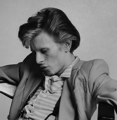 Young David Bowie | David-Bowie-young-early-70′s-1