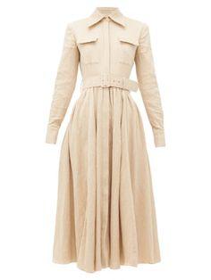 Deep-V silk slip dress Sarah Harris, Royal Ascot, Blouse En Coton, Style Feminin, Aurora Dress, Fashion Week, Womens Fashion, Midi Flare Skirt, Robes Midi