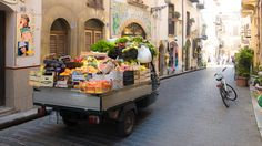 Cefalù - Delivery van with fruits