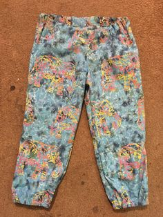 Made some elasticated hem cropped trousers for the girly out of this #elephant #batikfabric from #doughtysonline in age 12 years - very hippy I think :) #summersewing #sewing
