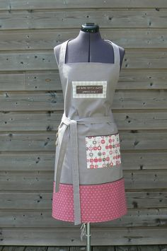 Mes Petites Coutures Towel Apron, Sewing Projects, Projects To Try, Sewing Aprons, Apron Designs, Creation Couture, Couture Sewing, Purses And Handbags, Fashion Accessories