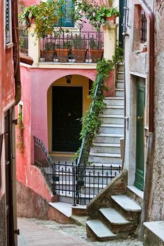 Lovely Old Homes in Lerici, Liguria, Italy