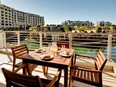 If you are looking for a luxury apartment that is ideally located, look no further than Lawhill Luxury Apartments. Situated in the picturesque Cape Town Marina, next to the famous V&A Waterfront