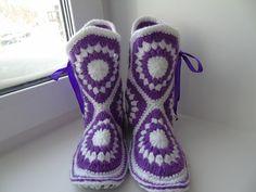 Мастер-класс по вязанию тапочек-сапожек крючком. How to crochet home slippers, boots - YouTube