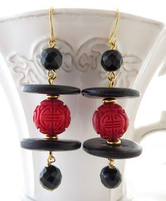 Oriental earrings, red cinnabar earrings, black onyx earrings, drop earrings, dangle earrings, ethnic jewelry, italian jewelry, gioielli