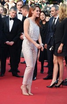 "Hollywood News: Kristen Stewart na Premiere de ""Clouds Of Sils Maria"" no Festival de Cannes"