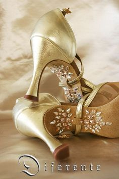 Ballroom Dancing Has actually Never Been Hotter. Ballroom Dancing has never ever been hotter than it is now ever since Dancing with the Stars struck the air. Dance Outfits, Dance Dresses, Dancing Outfit, Dancing Shoes, Bridal Shoes, Wedding Shoes, Wedding Gold, Bridal Jewelry, Danse Salsa