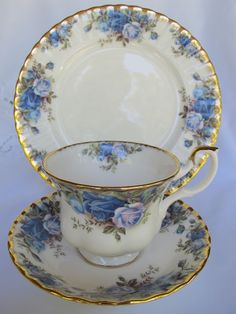 "Royal Albert ""Moonlight Rose"" 1987"