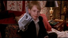 """12 Things You Probably Didn't Know About The Movie """"Home Alone"""" --------> I remember I had the TalkBoy!!!!! :)"""