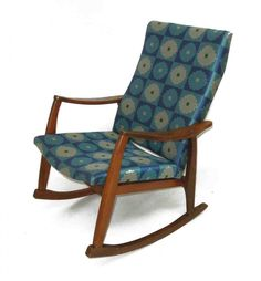 Bentwood Rocking Chair Cushions - Home Furniture Design Rocking Chair Redo, Adirondack Rocking Chair, Rocking Chair Cushions, Chair Bench, Home Furniture, Furniture Design, Furniture Ideas, Painted Chairs, Modern Chairs
