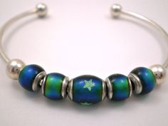 Mood Bead Cuff Bracelet with Glow-in-the-dark Stars by @justByou on #etsy