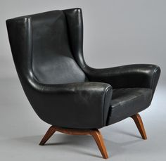 Lounge chair designed by Illum Wikkelsø (1919 - 1999)