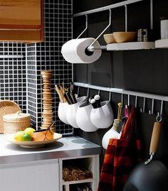 DIY Storage Hacks that Will Totally Transform Your Kitchen Wooden Cabinets, Kitchen Storage, Diy Storage, Small Kitchen Storage, Kitchen Rails, Home Kitchens, Kitchen Organization, Storage Hacks Diy, Kitchen Design