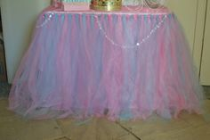 Table at a Shabby Chic Princess Party. This would work just as well for a ballet theme. Watch the puddle effect with little ones. Diva Birthday Parties, Sofia The First Birthday Party, 1st Birthday Girls, Princess Birthday, Baby Party, Princess Party, Birthday Ideas, Glamour Party, Magic Party