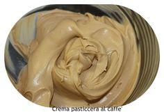 ingredienti Caffe solubile in polvere 10 gr Farina (o maizena) 50 gr Latte 500 ml Uova 4 tuorli Zucchero 150 gr —————- Difficoltà: BassaC...