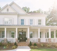 The Best Classic White Farmhouse Inspiration - - A huge collection of Farmhouse inspiration that is classic yet completely on-trend, showcasing white exteriors and some modern farmhouse touches. Dream House Exterior, Dream House Plans, Dream Houses, Farm House Exteriors, Farm House Porch, House Ideas Exterior, Home Exterior Design, Home Exteriors, Classic House Exterior