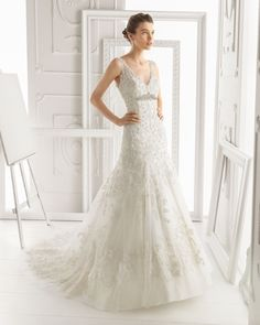 OLIVIA - Lace dress with beading, tulle and brooch in ivory T6166 - Hairclips with crystal and metal flower, silver colour (2 units)