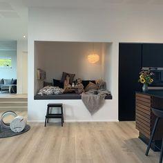 I nordsjællandske Kvistgård trækker tv-vært Emil Thorup sig tilbage til sin & House Design Pictures, Small Room Design, Wood Interiors, House Rooms, Interior Design Inspiration, Interior Architecture, Luxury Homes, Home Accessories, Living Spaces