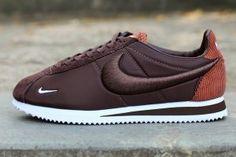 sale retailer 121c2 456e9 Mens Womens Sneakers Nike Cortez Nylon Brown White 789594 222 Brown  Sneakers, Cheap Sneakers,