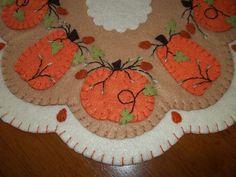 """Primitive Penny Rug """"Big Pumpkins"""" Candle Mat w"""