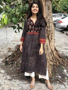 Printed Kurti Designs, Salwar Designs, Kurta Designs Women, Kurti Designs Party Wear, Indian Attire, Indian Outfits, Indian Wear, Kalamkari Dresses, Kalamkari Kurta