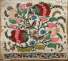 Lovely Ottoman Turkish sash end mid 24 x 23 cm Jacobean Embroidery, Types Of Embroidery, Crewel Embroidery, Beaded Embroidery, Embroidery Patterns, Cross Stitch Patterns, Art Nouveau, Antique Quilts, Paisley