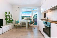 FINN – MAJORSTUA - 1(2)-roms toppleilighet med solrik balkong - Vendt mot stille gårdsrom - Heis - Varmtvann og fyring inkl.