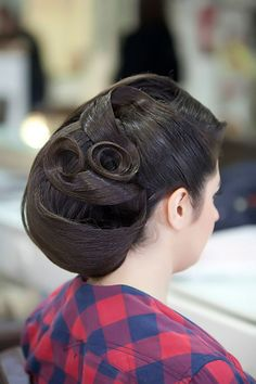 If you are looking for a lovely hairstyle for your curly hair, you may check the collection we have got over here. We have got 10 Trendy Curly Hairstyles For Long Hair For You Might Give A Try! 60s Hair, Hair A, Your Hair, Long Curly Hair, Curly Hair Styles, Helmet Hair, Low Bun Hairstyles, Look Here, Wedding Updo