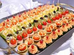 Catering your own wedding - great tips and ideas of how much food per person