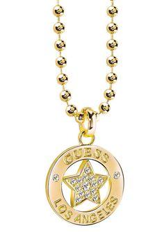 Guess Halskette, »WALK OF FAME, UBN21600«. Genießen Sie die schlichte Schönheit und lassen Sie sich von der natürlichen Ausstrahlung des Schmuckstückes aus goldfarben vergoldetem Messing verzaubern. Zauberhaft funkeln Swarovski-Kristalle an dem ca. 17 mm breiten und ca. 2,3 cm langen Behang. Die Kugelkette mit Karabiner ist ca. 40 cm lang und kann durch das ca. 5,5 cm lange Verlängerungskettche...